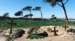 Maitland- 200720- Graves at the special COVID-19 section of the Maitland cemetery. Picture: Ian Landsberg/African News Agency (ANA).