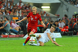 05.08.2015, Allianz Arena, Muenchen, GER, AUDI CUP, FC Bayern Muenchen vs Real Madrid, im Bild Sebastian Rode (FC Bayern Muenchen) setzt sich gegen Toni Kroos (Real Madrid) durch // during the 2015 Audi Cup Match between FC Bayern Munich and Real Madrid at the Allianz Arena in Muenchen, Germany on 2015/08/05. EXPA Pictures © 2015, PhotoCredit: EXPA/ Eibner-Pressefoto/ Stuetzle<br /> <br /> *****ATTENTION - OUT of GER*****