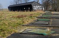 NAARDEN - problemen voor golfbaan Naarderbos: de rechtbank heeft het bedrijf achter de exploitatie van golfbaan Naarderbos en aanverwante horeca, de Golfexploitatiemaatschappij Naarderbos BV,  in 2018 failliet verklaard. De baan is onherkenbaar en ligt er troosteloos bij.