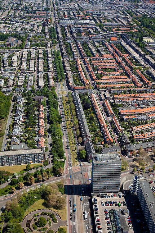 Nederland, Zuid-Holland, Den Haag, 12-05-2009; Laan van Meerdervoort, gezien naar het centrum (Noordoosten), overzicht van de Vruchtenbuurt in stadsdeel Segbroek..Swart collectie, luchtfoto (toeslag); Swart Collection, aerial photo (additional fee required).foto Siebe Swart / photo Siebe Swart