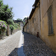 Via Gemelli a Orta, antico vicolo di Orta..Gemmeli street, old alley in Orta