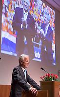 UTRECHT - Jan Albers aan het woord. Algemene Ledenvergadering  KNHB bij de Rabobank in Utrecht. Voorzitter Jan Albers wordt opgevolgd door Erik Cornelissen. COPYRIGHT KOEN SUYK