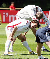 Photo: Chris Ratcliffe.<br />England training session. 07/06/2006.<br />Owen Hargreaves in training.