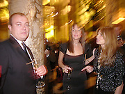 Saffron Aldridge and Jemima Khan. British Fashion awards 2005. V. & A. Museum. Cromwell Rd. London.   10  November 2005 . ONE TIME USE ONLY - DO NOT ARCHIVE © Copyright Photograph by Dafydd Jones 66 Stockwell Park Rd. London SW9 0DA Tel 020 7733 0108 www.dafjones.com