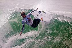HUNTINGTON BEACH, California/USA (Friday,Aug 5, 2011) Evan Geiselman rips a wave during heat1 round 4 at the Hurley US Open of Surfing. Photo: Eduardo E. Silva.