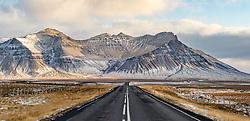 THEMENBILD - Snaefellsnesvegur Eyja og Miklaholtshreppur mit Blick auf den Ytri Rauöamelur Geröuberg, aufgenommen am 25. Oktober 2019 in Island //Snaefellsnesvegur Eyja og Miklaholtshreppur with a view of the Ytri Rauöamelur Geröuberg, Iceland on 2019/10/25. EXPA Pictures © 2019, PhotoCredit: EXPA/ Peter Rinderer