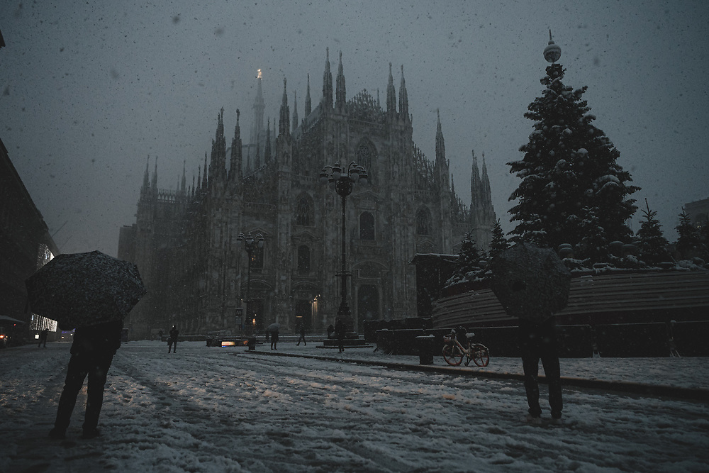 High Quality Fine Art Prints <br /> Snow in Milan, Italy <br /> <br /> 20 x 30 cm - Numbered Limited Edition of 25 <br /> 30 x 45 cm - Numbered Limited Edition of 25 <br /> 50 x 75 cm - Numbered Limited Edition of 12<br /> <br /> Printed at professional lab in Milan on Hahnemühle Photo Rag papers.<br /> <br /> They all come signed and numbered.<br /> <br /> Frame NOT included.<br />  <br /> Shipment<br /> Make sure that the address of delivery is correct and that there are all the elements necessary to identify the exact delivery address (first/ last name/number on the intercom, preferred delivery times, scale, internal, mobile phone number for quick contact, etc).<br /> Once the print is ready, It will be shipped via courier and you will receive a tracking number. Please allow up to one week to fulfil the order plus 2 to 5 business days for delivery (depending on location).<br /> <br /> How to handle the print <br /> On receipt, take care in removing it from the cardboard or the tube. Each print has a white paper border to allow the framer to handle the print and for protection during transport. I recommend that you take it straight to a framer to ensure optimal condition.<br /> <br /> Prices<br /> Pricing is for print only. Sizes other than those listed are available on request. Framing options are also available on request. As these are Limited Editions, prices may rise as availability decreases.<br /> <br /> Returns<br /> In the unfortunate event that the print arrives damaged (and that you can show that it was damaged before arrival), please make contact and send it back to me within 14 days, I will replace it on receipt of the damaged print back to me.<br /> <br /> Message me for questions about crops, sizes, papers, prints, deliveries or framing. <br /> Email: pcruciatti@gmail.com or whatsapp +39.335.6263208