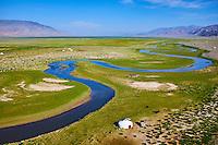 Mongolie, province de Bayan-Ulgii, région de l'ouest, campement nomade des Kazakh dans la steppe // Mongolia, Bayan-Ulgii province, western Mongolia, nomad camp of Kazakh people in the steppe