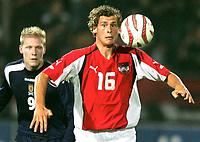 Fotball<br /> Landskamp 17.08.2005<br /> Østerrike v Skottland<br /> Foto: Gepa/Digitalsport<br /> NORWAY ONLY<br /> <br /> Garry O'Connors (SCO), Jürgen Säumel (AUT)