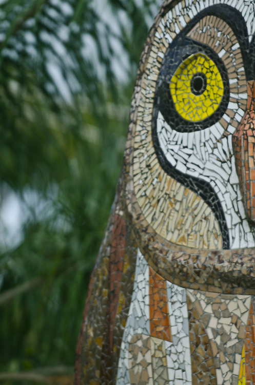 Escultura de buho en una de las entradas al pueblo de Humacao.