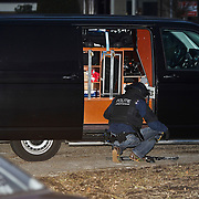 NLD/Blaricum/20100312 - Amsterdams arrestatieteam ingezet bij gijzeling van een moeder die haar zoon vasthield in een woning aan het Blad in Blaricum, de zoon werd bedreigd met vermoedelijk pijl en boog