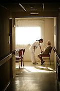 Vie quotidienne dans une maison pour personnes agées // Daily life in a retirement home.  France