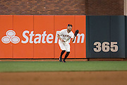 San Francisco Giants right fielder Hunter Pence (8) catches a pop fly against the Chicago Cubs during Game 3 of the NLDS at AT&T Park in San Francisco, Calif., on October 10, 2016. (Stan Olszewski/Special to S.F. Examiner)