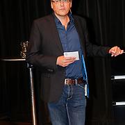 NLD/Hilversum/20101124 - Uitreiking boek 50 jaar Edison, de geschiedenis van de Muziekprijs, Paul Solleveld, directeur Edison Stichting