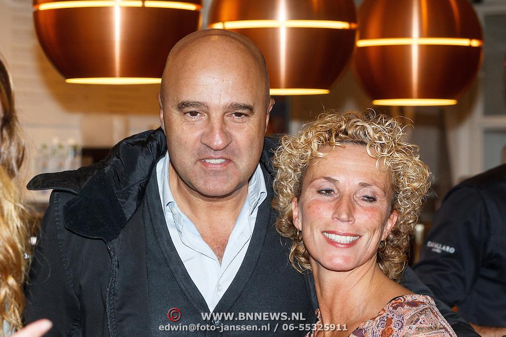"""NLD/Amsterdam20151113 - Boekpresentatie,""""Ik ben niet van Suiker"""" door Gordon, John van den Heuvel en partner"""
