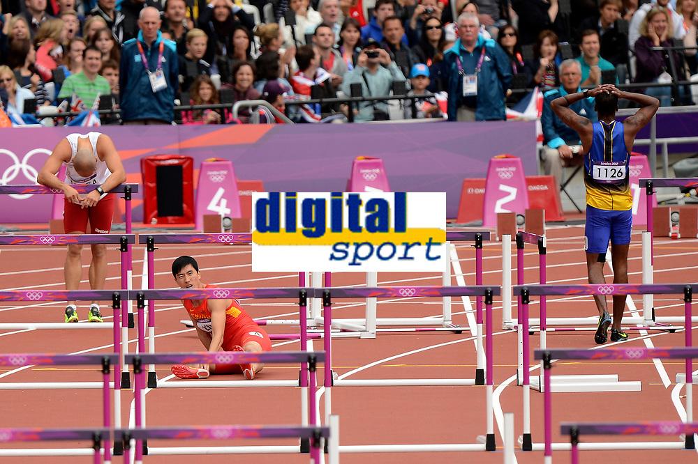 LONDON OLYMPIC GAMES 2012 - OLYMPIC STADIUM , LONDON (ENG) - 07/08/2012 - PHOTO : JULIEN CROSNIER / KMSP / DPPI<br /> ATHLETICS - MEN'S 110M HURDLES - XIANG LIU (CHN) FALL CHUTE
