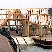 NLD/Huizen/20080129 - Bouw Botterwerf Huizen, houten skelet