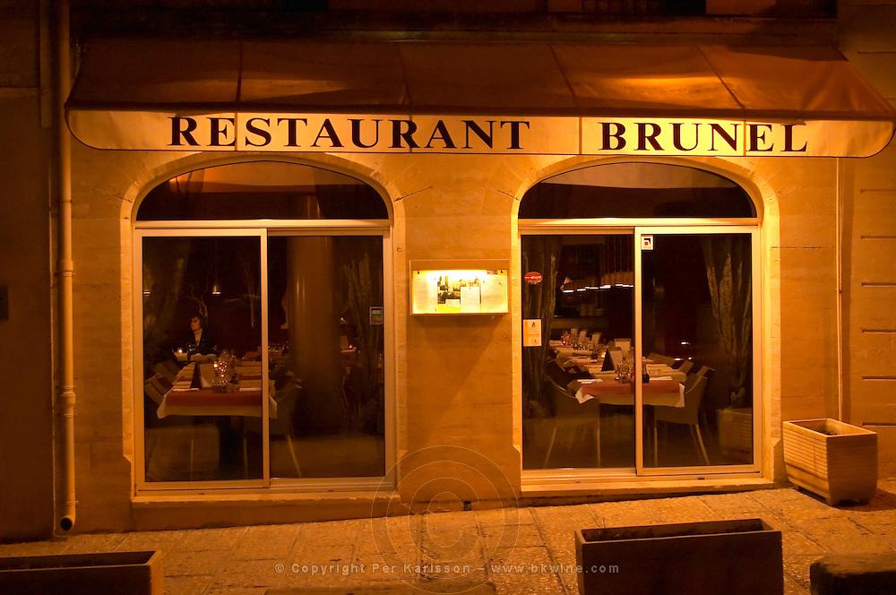 The restaurant Brunel at night.  Avignon, Vaucluse, Provence, Alpes Cote d Azur, France, Europe