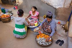 Food Vendors, Shwezigon Pagoda