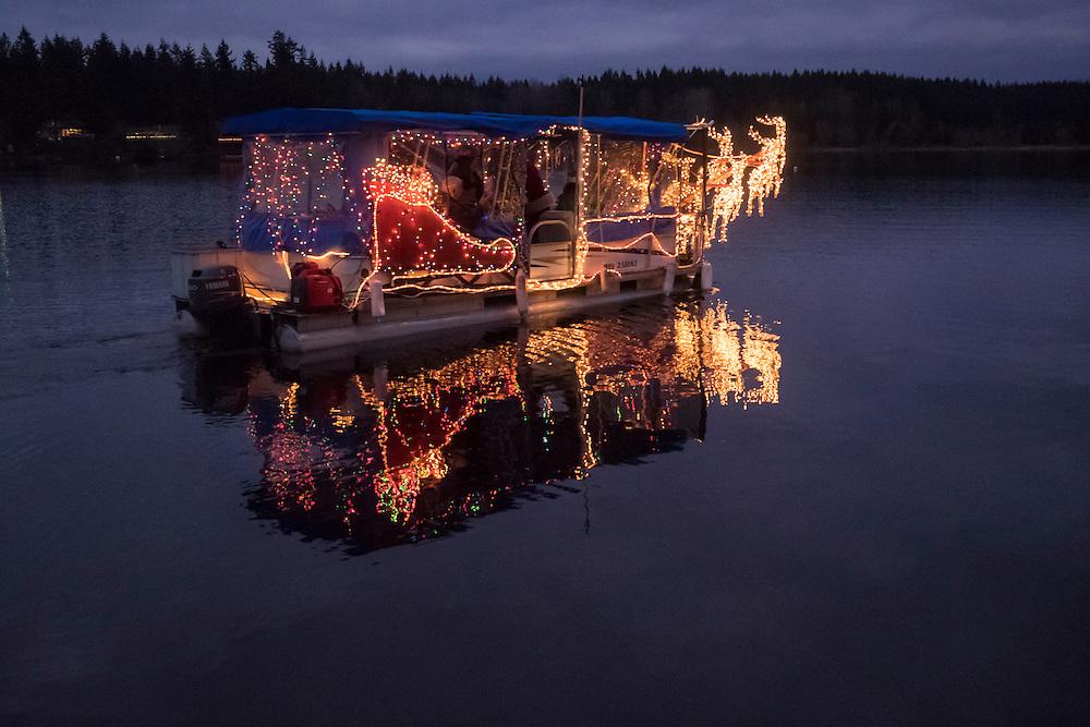 Washington, Black Diamond, Santa Boat on Lake Sawyer