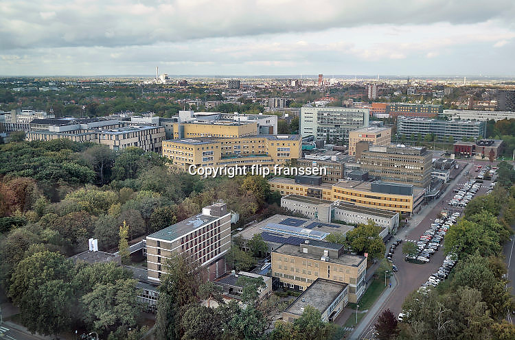 Nederland, Nijmegen, 23-10-2017Wijk Heyendaal met bebouwing van het radboudumc. de ru, radboud universiteit, campus met het academisch ziekenhuis Foto: Flip Franssen