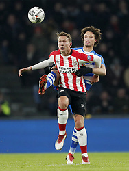 (L-R) Luuk de Jong of PSV, Phillipe Sandler of PEC Zwolle during the Dutch Eredivisie match between PSV Eindhoven and PEC Zwolle at the Phillips stadium on February 03, 2018 in Eindhoven, The Netherlands