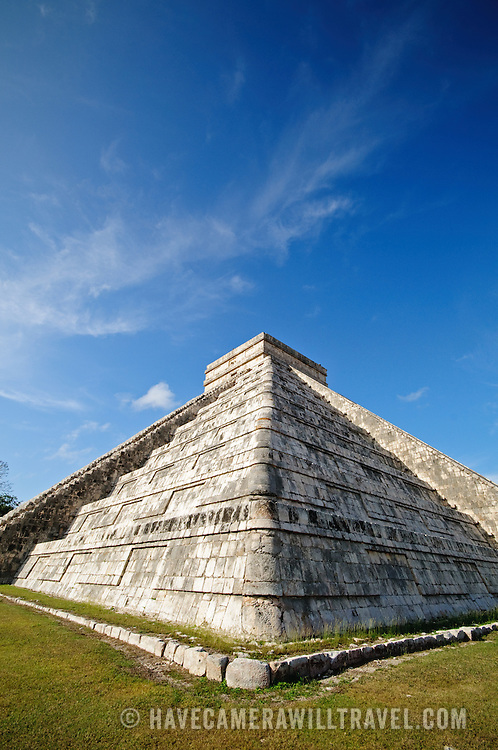 El Castillo (also known as Temple of Kuklcan) at the ancient Mayan ruins at Chichen Itza, Yucatan, Mexico 081216092936_4428x.tif