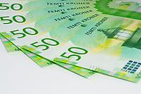 Norske femtilapper spredt i vifteform. Foto egnet som illustrasjonsbilde vedrørende økonomi.