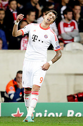 23.10.2012, Grand Stade Lille Metropole, Lille, OSC Lille vs FC Bayern Muenchen, im Bild Mario MANDZUKIC (FC Bayern Muenchen - 9) ist enttaeuscht, ist frustriert, frust, zeigt Emotionen // during UEFA Championsleague Match between Lille OSC and FC Bayern Munich at the Grand Stade Lille Metropole, Lille, France on 2012/10/23. EXPA Pictures © 2012, PhotoCredit: EXPA/ Eibner/ Gerry Schmit..***** ATTENTION - OUT OF GER *****