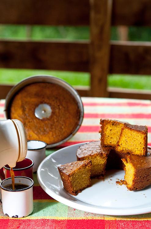 Brumadinho_MG, Brasil.<br /> <br /> Broa de milho servido no Restaurante Rancho do Peixe em Brumadinho, Minas Gerais.<br /> <br /> Cornbread served in Rancho do Peixe restaurant in Brumadinho, Minas Gerais.<br /> <br /> Foto: RODRIGO LIMA / NITRO
