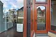 Nederland, Ootmarsum, 5-11-2012Het kunst en galeriedorp. Bouw van een nieuw particulier museum van kunstenaar en ondernemer Ton Schulten. In het oude centrum van dit stadje bevinden zich veel galeries met een hoge kwaliteit kunst. Een winkelpand staat te huur.Foto: Flip Franssen/Hollandse Hoogte