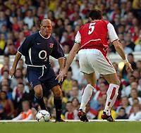 Photo. Raymond Field, Digitalsport<br /> NORWAY ONLY<br /> <br /> Martin Keown Testomonial Match<br /> <br /> Arsenal v England x1<br /> 170504<br /> <br /> Paul Gascoigne trys to get passed Martin Keown
