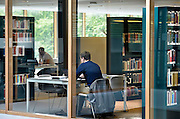 Nederland, Nijmegen, 18-8-2014Het nieuwe Grotiusgebouw van de rechtenfaculteit, faculteit der Rechtsgeleerdheid, van de Radboud Universiteit Nijmegen op de campus Heijendaal. Onderwijsruimte en studieruimte, bibliotheek, en een collegezaal die de grootste collegezaal van de Radboud Universiteit zal zijn. ( 500 plaatsen). Dit studiejaar wordt het in gebruik genomen.FOTO: FLIP FRANSSEN/ HOLLANDSE HOOGTE