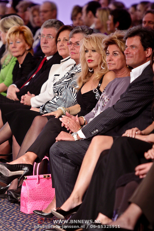 NLD/Amsterdam/20090301 - Modeshow Paul Schulten 2009, Patricia Paay