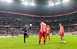 04.11.2015, Allianz Arena, Muenchen, GER, UEFA CL, FC Bayern Muenchen vs FC Arsenal, Gruppe F, im Bild v.l.: Arturo Vidal (FC Bayern), Medhi Benatia (FC Bayern), Arjen Robben (FC Bayern), Rafinha (FC Bayern) // during the UEFA Champions League group F match between FC Bayern Munich and FC Arsenal at the Allianz Arena in Munich, Germany on 2015/11/04. EXPA Pictures © 2015, PhotoCredit: EXPA/ JFK