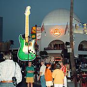 Reis Amerika, Los Angeles Universal studio Hard Rock cafe met neon gitaar