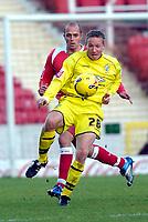 Photo: Alan Crowhurst.<br />Swindon Town v Bury FC. Coca Cola League 2. 25/11/2006. Glynn Hurst of Bury holds the ball up.