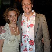 NLD/Amsterdam/20060307 - Premiere Ik omhels je met duizend armen, Vincent van Essen en partner