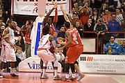 DESCRIZIONE : Pistoia Lega serie A 2013/14 Giorgio Tesi Group Pistoia Victoria Libertas Pesaro<br /> GIOCATORE : daniel edward<br /> CATEGORIA : controcampo difesa<br /> SQUADRA : Giorgio Tesi Group Pistoia<br /> EVENTO : Campionato Lega Serie A 2013-2014<br /> GARA : Giorgio Tesi Group Pistoia Victoria Libertas Pesaro<br /> DATA : 24/11/2013<br /> SPORT : Pallacanestro<br /> AUTORE : Agenzia Ciamillo-Castoria/GiulioCiamillo<br /> Galleria : Lega Seria A 2013-2014<br /> Fotonotizia : Pistoia Lega serie A 2013/14 Giorgio Tesi Group Pistoia Victoria Libertas Pesaro<br /> Predefinita :