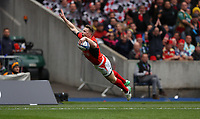 Rugby Union - 2017 European Rugby Champions Cup Final - Clermont Auvergne vs. Saracens<br /> <br /> Chris Ashton of Saracens  scoring the opening try during the Champions Cup Final at Murrayfield.<br /> <br /> COLORSPORT/LYNNE CAMERON