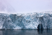 Noruega. Ártico. Norte de las Islas Svalbard.<br /> Glaciar en el fiordo Magdalena.<br /> <br /> © JOAN COSTA
