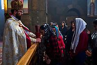 Armenie, Etchmiadzin, messe à l'eglise Saint Gayane // Armenia, Etchmiadzin, mass at Saint Gayane church