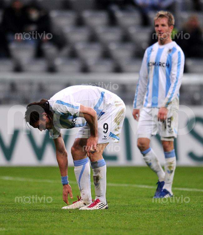 2. Fussball Bundesliga:  Saison   2010/2011  ,21.  Spieltag  1860 Muenchen - Fortuna Duesseldorf   07.02.2011 (v. li.) Enttaeuschung bei Djordje Rakic, Stefan Aigner  (1860 Muenchen)