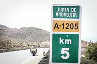 REPORTAJE – Guardia Civil en La Vuelta. Así se asegura la carrera. (Photo by Jesus DYañez).