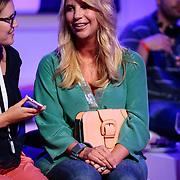 NLD/Hilversum/20120821 - Perspresentatie RTL Nederland 2012 / 2013, Linda de Mol tijdens interview