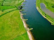 Nederland, Gelderland, Gemeente Zutphen, 21–06-2020; IJssel met kribben (strekdamme), direct ten zuiden van Zutphen.<br /> River IJssel, south of Zutphen.<br /> luchtfoto (toeslag op standaard tarieven);<br /> aerial photo (additional fee required)<br /> copyright © 2020 foto/photo Siebe Swart
