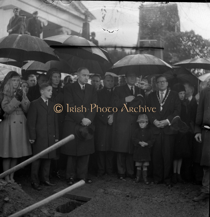 The State Funeral of William. T. Cosgrave, former President of the Executive Council of the Irish Free State, took place at the Church of the Annunciation, Rathfarnham, to Golden Bridge Cemetery. The chief mourners at the graveside with Mr. Liam Cosgrave T.D. and family on the left and Ald. Eugene Timmons T.D., Lord Mayor of Dublin on the right..18.11.1965