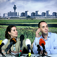 Nederland, Amsterdam Schiphol , 11 december 2013.<br /> <br /> Journaliste Judith Spiegel en haar man Boudewijn Berendsen zijn weer terug in Nederland. Ze werden een halfjaar geleden in Jemen ontvoerd en werden dit weekend vrijgelaten. Op Schiphol geven ze vanaf 16.00 uur een persconferentie in the VIP room op Schiphol.<br /> Dutch journalist Judith Spiegel and her husband Boudewijn Berendsen just came back in the Netherlands from Yemen where they were kidnapped six months ago . This weekend they were released. At Schiphol they gave a press conference in the VIP room.
