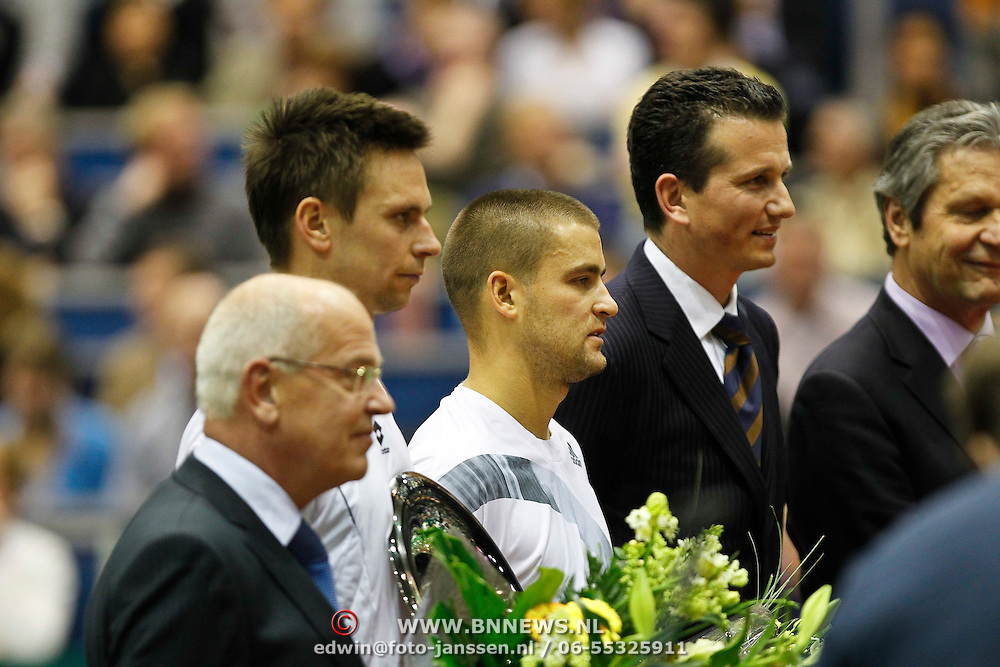 NLD/Rotterdam/20100214 - ABN - AMRO tennistoernooi 2010, finale Michail Joezjni - Robin Söderling met Richard Krajicek