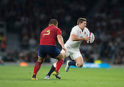 Twickenham, England.  Alex GOODE glides to his left to bypass Niclas MAS, during the QBE International. England vs France [World cup warm up match]  Saturday.  15.08.2015,  [Mandatory Credit. Peter SPURRIER/Intersport Images].